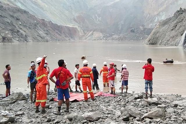 Sập mỏ ở Myanmar, 113 người chết, số thương vong còn tiếp tục tăng - Ảnh 3.