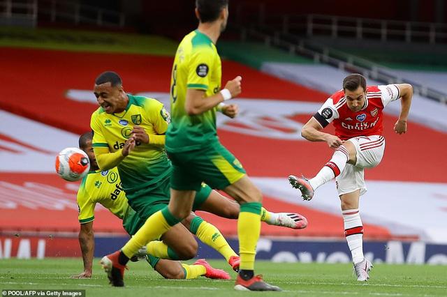 Arsenal 4-0 Norwich: Auba cán mốc 50 bàn thắng, Soares ra mắt hoàn hảo! - Ảnh 3.