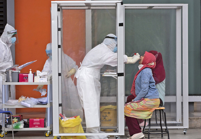 Hơn 14,5 triệu người mắc COVID-19 trên toàn cầu, Ân Độ ghi nhận số ca nhiễm mới cao kỷ lục - Ảnh 3.