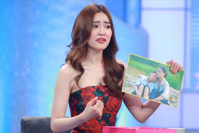 Ninh Dương Lan Ngọc khóc nghẹn nhớ 2 năm bỏ nghề vì bạo lực mạng - Ảnh 3.