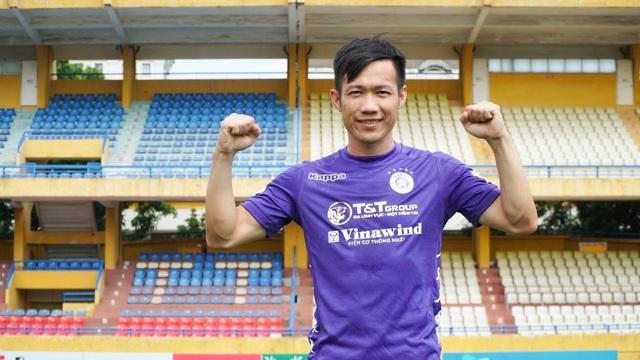 Lê Tấn Tài ra mắt đội bóng mới CLB Hà Nội - Ảnh 2.