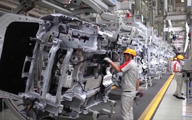 Nissan sẽ hoãn đóng cửa nhà máy ở Barcelona thêm 6 tháng - Ảnh 2.