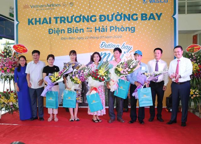 Khai trương đường bay Điện Biên - Hải Phòng - Ảnh 2.