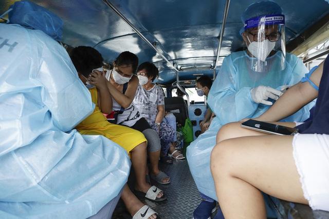 Số ca nhiễm mới  COVID-19 tăng vọt tại 3 tâm dịch lớn nhất thế giới - Ảnh 4.