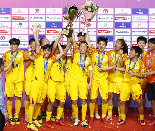 Thắng cách biệt 2-0 TKS Việt Nam, CLB TP Hồ Chí Minh vô địch Cúp Quốc gia nữ 2020 - Ảnh 3.