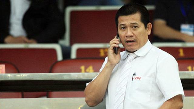 Tranh cãi xung quanh 2 tình huống không thổi phạt penalty trong trận CLB TP Hồ Chí Minh gặp CLB Hà Nội - Ảnh 3.