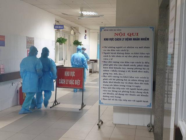 30 người trốn khỏi Bệnh viện Đà Nẵng sau khi có tin cách ly - Ảnh 1.