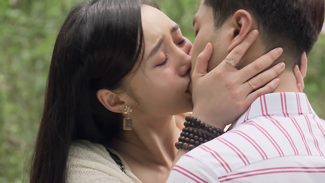 Đừng bắt em phải quên - Tập 30: Ngọc chủ động hôn Duy trong nước mắt, kết phim ngọt ngào - Ảnh 15.