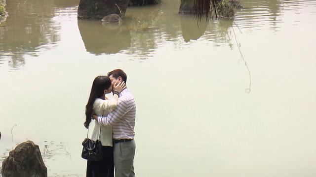 Đừng bắt em phải quên - Tập 30: Ngọc chủ động hôn Duy trong nước mắt, kết phim ngọt ngào - Ảnh 16.