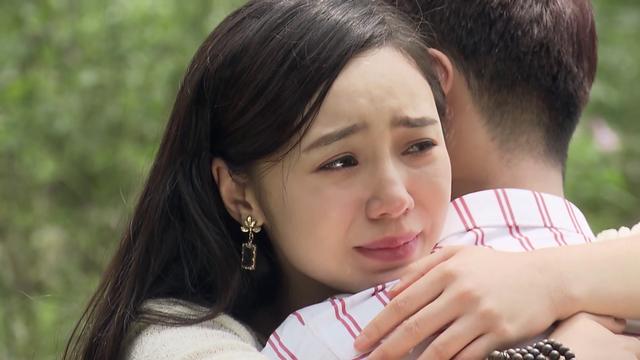 Đừng bắt em phải quên - Tập 30: Ngọc chủ động hôn Duy trong nước mắt, kết phim ngọt ngào - Ảnh 17.