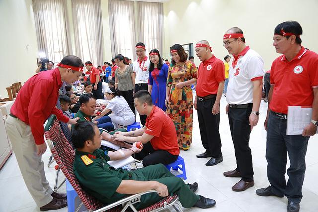 Hành trình Đỏ 2020 đã tiếp nhận hơn 55.000 đơn vị máu - Ảnh 2.