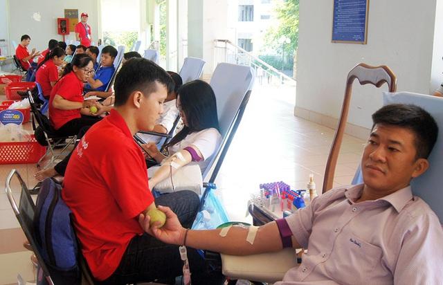 Hành trình Đỏ 2020 đã tiếp nhận hơn 55.000 đơn vị máu - Ảnh 3.