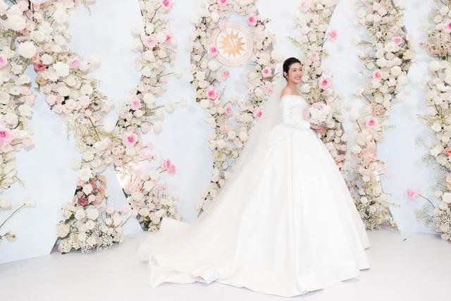 Á hậu Thúy Vân tiết lộ mang bầu con trai tại đám cưới - Ảnh 3.