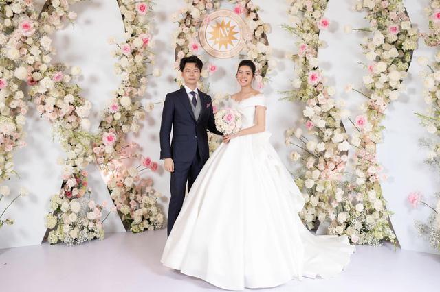 Á hậu Thúy Vân tiết lộ mang bầu con trai tại đám cưới - Ảnh 2.
