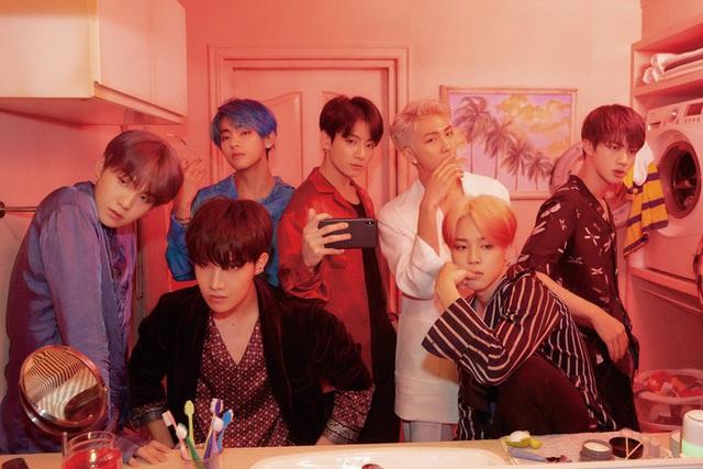 BTS bất ngờ thông báo ra mắt ca khúc mới bằng tiếng Anh - Ảnh 2.
