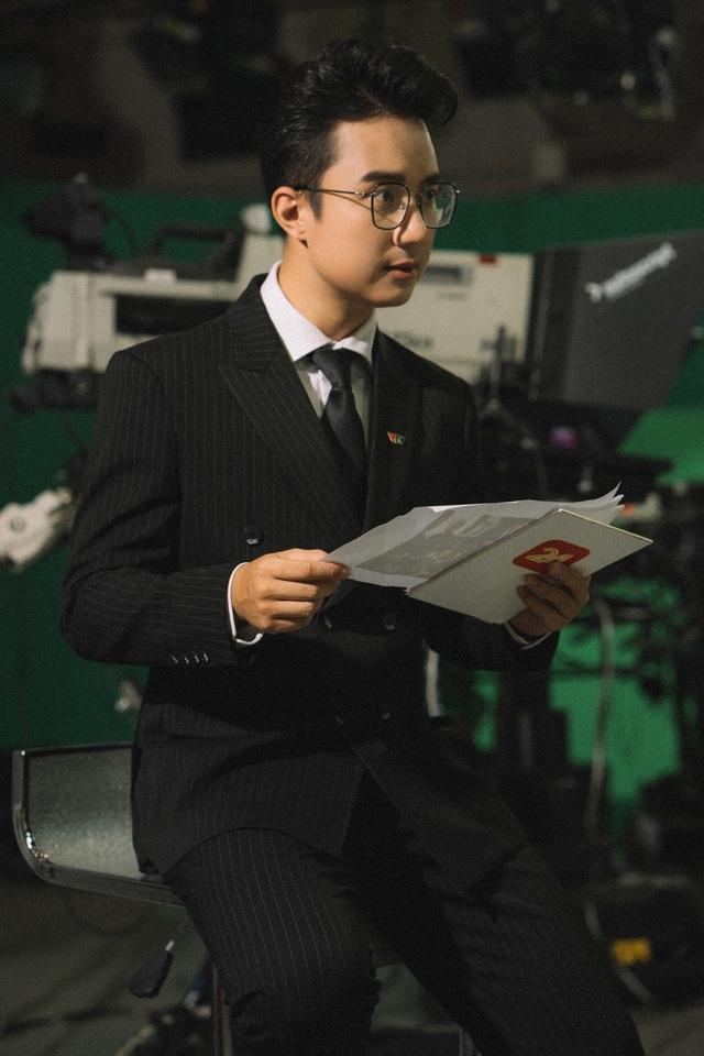 VTV Awards 2020: Nỗ lực 10 năm bền bỉ của BTV Sơn Lâm - Ảnh 1.