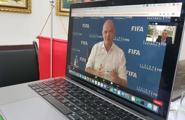 FIFA hỗ trợ bóng đá Việt Nam 1,5 triệu USD - Ảnh 1.