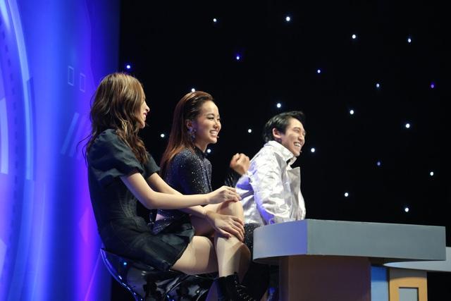 Tronie Ngô có hành động cực đáng yêu với bạn gái trên sóng truyền hình - ảnh 2