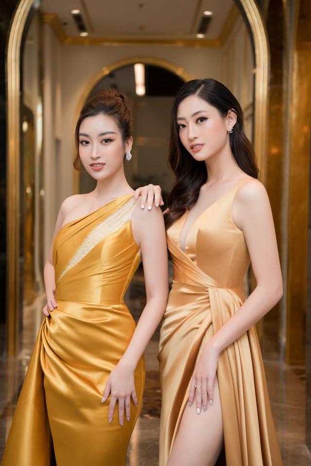 """Bộ đôi Hoa hậu """"song Linh"""" đọ độ nóng bỏng khi """"đụng"""" đầm vàng - Ảnh 2."""