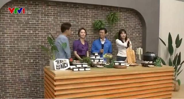Bộ trưởng Hàn Quốc tham gia livestream bán hàng nhằm kích cầu tiêu dùng - Ảnh 1.