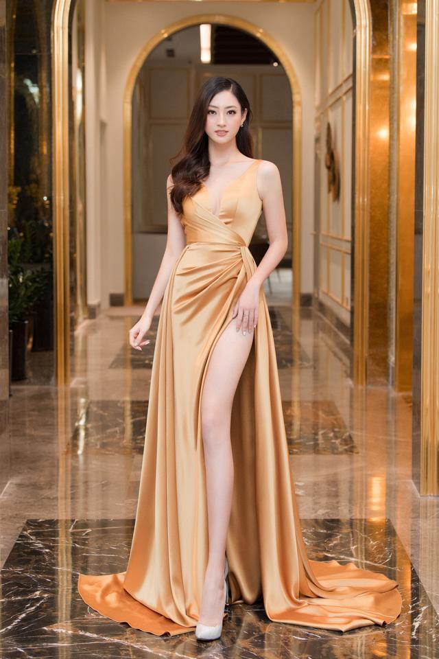 """Bộ đôi Hoa hậu """"song Linh"""" đọ độ nóng bỏng khi """"đụng"""" đầm vàng - Ảnh 7."""