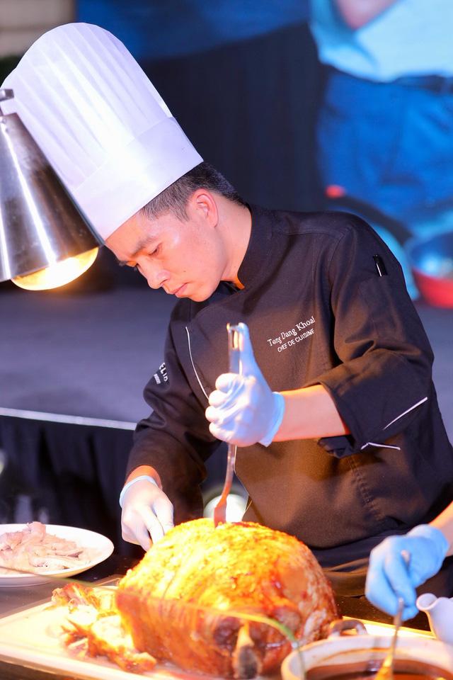Trải nghiệm hương vị nguyên bản của thịt heo Ô-liu ngon nhất từ Châu Âu - Ảnh 1.