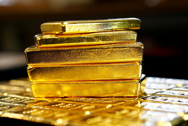 Các quỹ ETF nắm giữ lượng vàng ở mức cao nhất trong lịch sử - Ảnh 1.