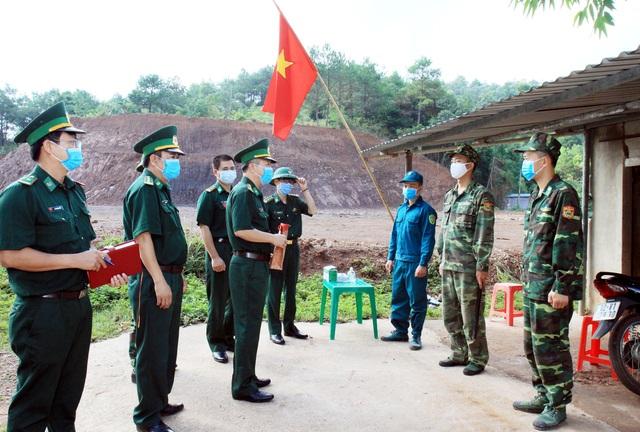 Tăng cường lực lượng ngăn chặn tình trạng xuất nhập cảnh trái phép qua biên giới - Ảnh 1.