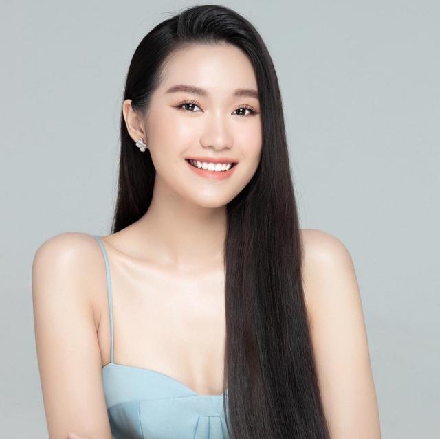 Thí sinh Hoa hậu Việt Nam gây sốt vì xinh đẹp, thành tích học tập khủng - Ảnh 1.
