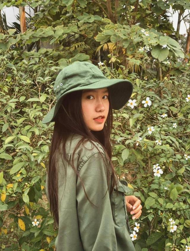 Thí sinh Hoa hậu Việt Nam gây sốt vì xinh đẹp, thành tích học tập khủng - Ảnh 11.