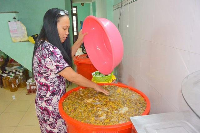 Những phụ nữ tiên phong trong thực hành sống xanh, biến rác thải thành tiền - Ảnh 1.