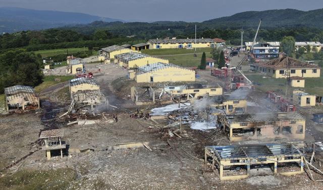 Nổ lớn tại nhà máy pháo hoa ở Thổ Nhĩ Kỳ, hơn 100 người thương vong - Ảnh 1.