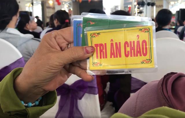 Hàng trăm phụ nữ U70 sập bẫy mua hàng được nhận lại tiền - Ảnh 2.