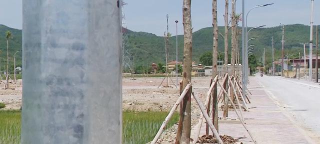 Khu tái định cư dự án cao tốc Bắc - Nam: Chậm tiến độ, ngổn ngang - Ảnh 3.