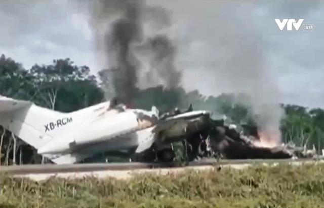 Mexico: Tự đốt cháy máy bay khi bị phát hiện chở hàng trăm kg ma túy - Ảnh 3.