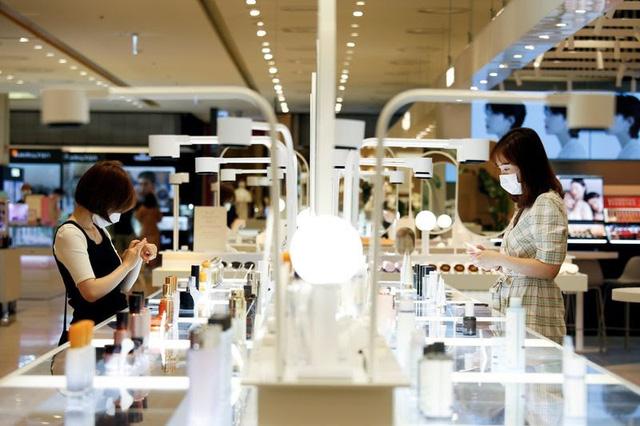 Độc đáo, thử mỹ phẩm bằng gương thực tế ảo tại Hàn Quốc - ảnh 2
