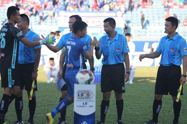 Chùm ảnh: CLB Quảng Nam giành 3 điểm trong ngày ra mắt tân HLV - Ảnh 3.