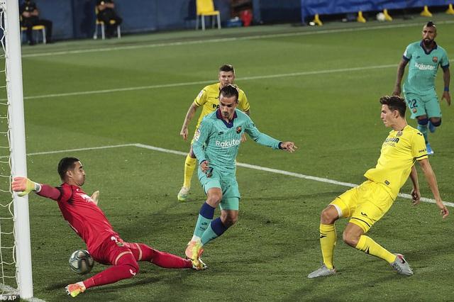 Villarreal 1-4 Barcelona: Messi lập cú đúp kiến tạo, Barca thắp lửa hy vọng - Ảnh 1.