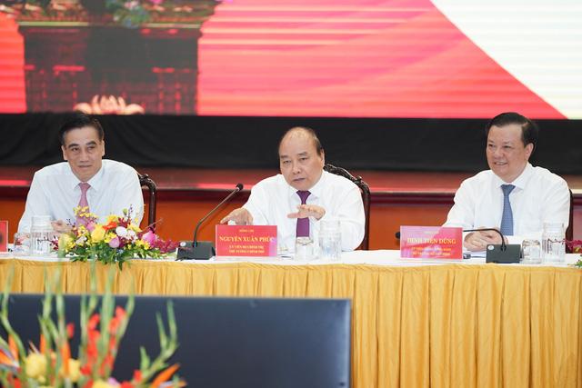 Thủ tướng Nguyễn Xuân Phúc: Lắng nghe hơi thở cuộc sống, không để cua cậy càng, cá cậy vây - Ảnh 1.