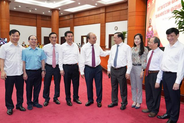 Thủ tướng Nguyễn Xuân Phúc: Lắng nghe hơi thở cuộc sống, không để cua cậy càng, cá cậy vây - Ảnh 3.