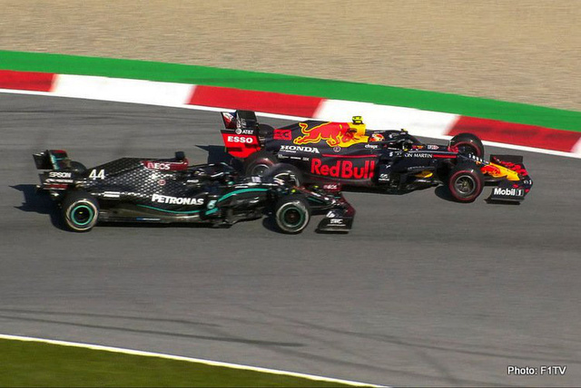 Lewis Hamilton và những lần va chạm đầy tranh cãi - Ảnh 1.