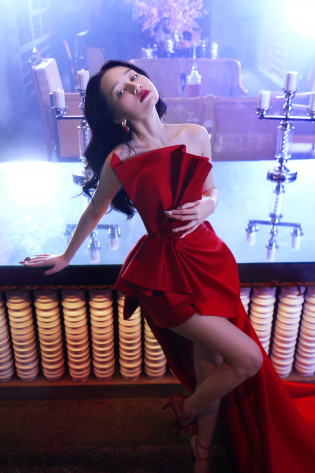 Đạo diễn Victor Vũ trở lại với phim giật gân cùng 3 hotgirl - Ảnh 1.