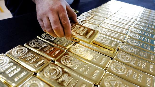 Giá vàng tiếp tục leo thang, nhảy vọt lên 50,3 triệu đồng/lượng - Ảnh 2.