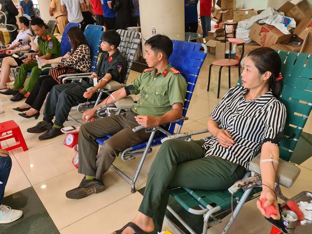"""Chương trình """"Hành trình Đỏ"""" thu được hơn 2.000 đơn vị máu an toàn tại Đắk Nông - Ảnh 1."""