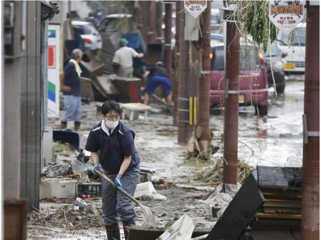 Mưa lũ kỷ lục tại Nhật Bản: Số người thiệt mạng tăng lên 44 người - Ảnh 11.