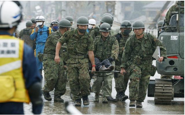 Mưa lũ kỷ lục tại Nhật Bản: Số người thiệt mạng tăng lên 44 người - Ảnh 3.