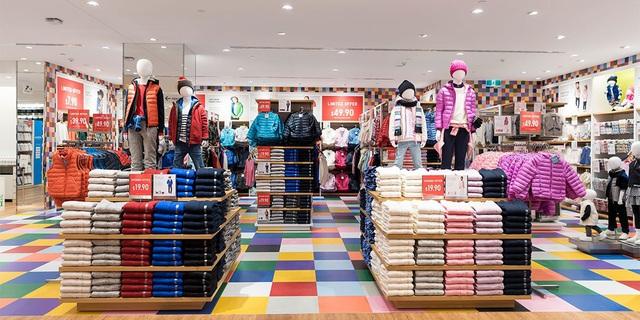 Khách hàng đổ xô mua sắm hậu COVID-19, tài sản ông chủ Uniqlo chạm mốc 29 tỷ USD - Ảnh 2.