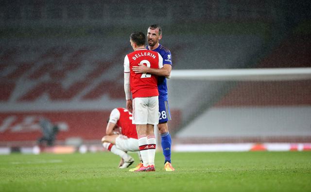 Arsenal 1-1 Leicester: Tội đồ Nketiah khiến Pháo thủ đánh rơi chiến thắng - Ảnh 2.