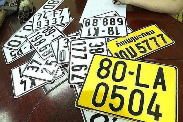 Chuyên gia giao thông đề nghị xem xét lại chủ trương đổi biển xe ô tô sang màu vàng - Ảnh 2.
