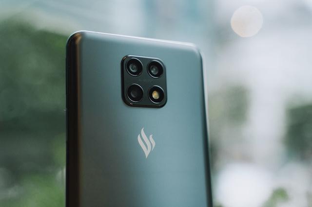 Cộng đồng quốc tế hào hứng với điện thoại Vsmart Aris 5G Make in Vietnam - ảnh 1